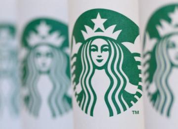 Чистая прибыль Starbucks выросла за фингод более чем в полтора раза